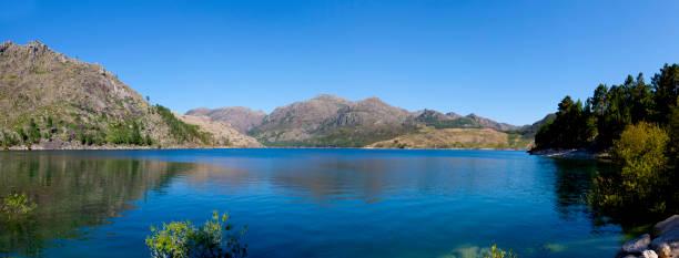 gerês national park - fotos de barragem portugal imagens e fotografias de stock