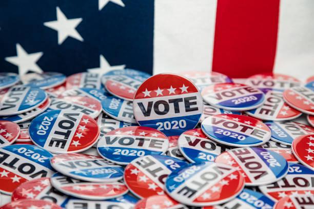 get out the vote 2020 presidential voting buttons - выборы президента стоковые фото и изображения