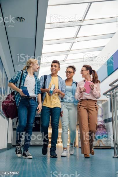 Getting a university tour picture id641755002?b=1&k=6&m=641755002&s=612x612&h=0gipgankomtqg4d0slk01ofjhx7bo76stxxfabpbdvw=
