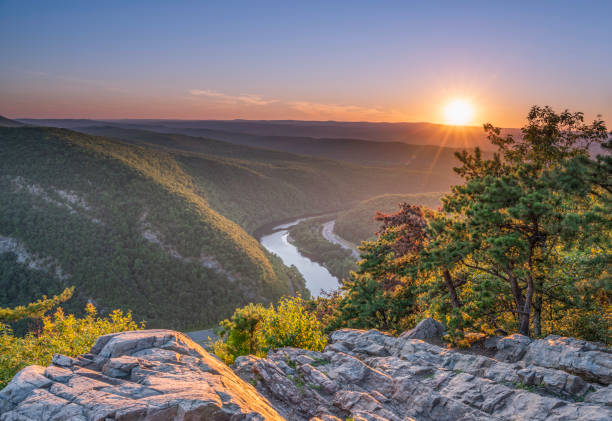 Getting away from the busy life Delaware Water Gap Recreation Area viewed at sunset from Mount Tammany located in New Jersey appalachian trail stock pictures, royalty-free photos & images