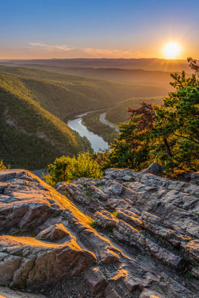 Getting away from the busy life Delaware Water Gap Recreation Area viewed at sunset from Mount Tammany located in New Jersey appalachia stock pictures, royalty-free photos & images