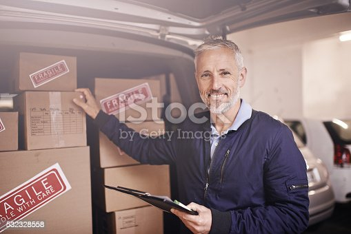 istock Getting your package delivered on time every time 532328558