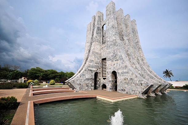 ghana, accra, kwame nkrumah park - mausoleum stockfoto's en -beelden