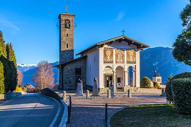 ghisallo: sanctuary dedicated madonna protectress of cyclists - lecco lombardije stockfoto's en -beelden