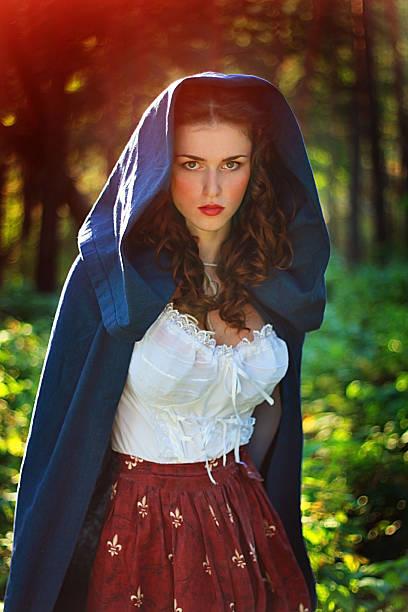ghost der geschichte - elfenkostüm damen stock-fotos und bilder