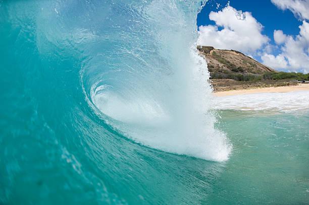 giant brechenden wave – Foto