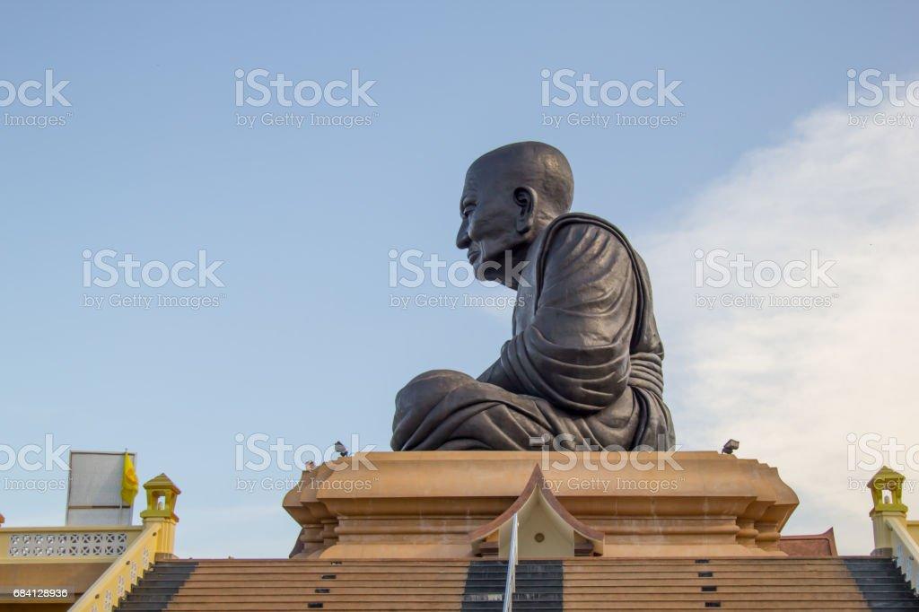 Giant Buddha Statue at Wat Huay Mongkol temple, foto stock royalty-free