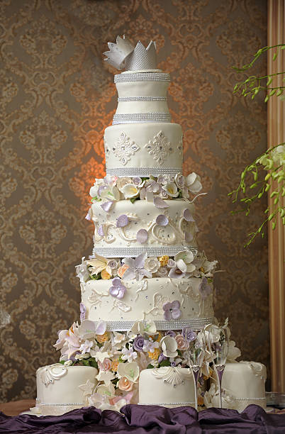 giant wedding cake - big cake stock photos and pictures