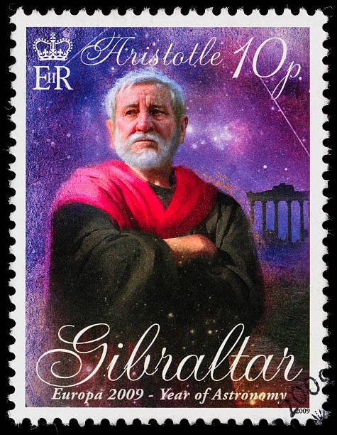 gibraltar aristoteles briefmarke - berühmte physiker stock-fotos und bilder