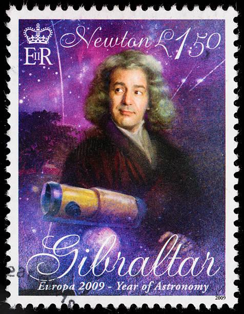 gibraltar isaac newton briefmarke - berühmte physiker stock-fotos und bilder