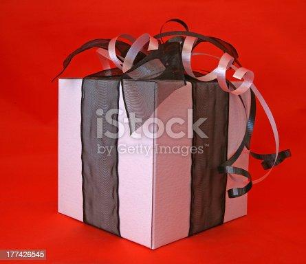 507751629 istock photo Gift box 177426545