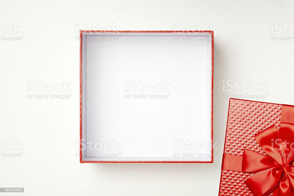 Caixa de presente com Traçado de Recorte - foto de acervo