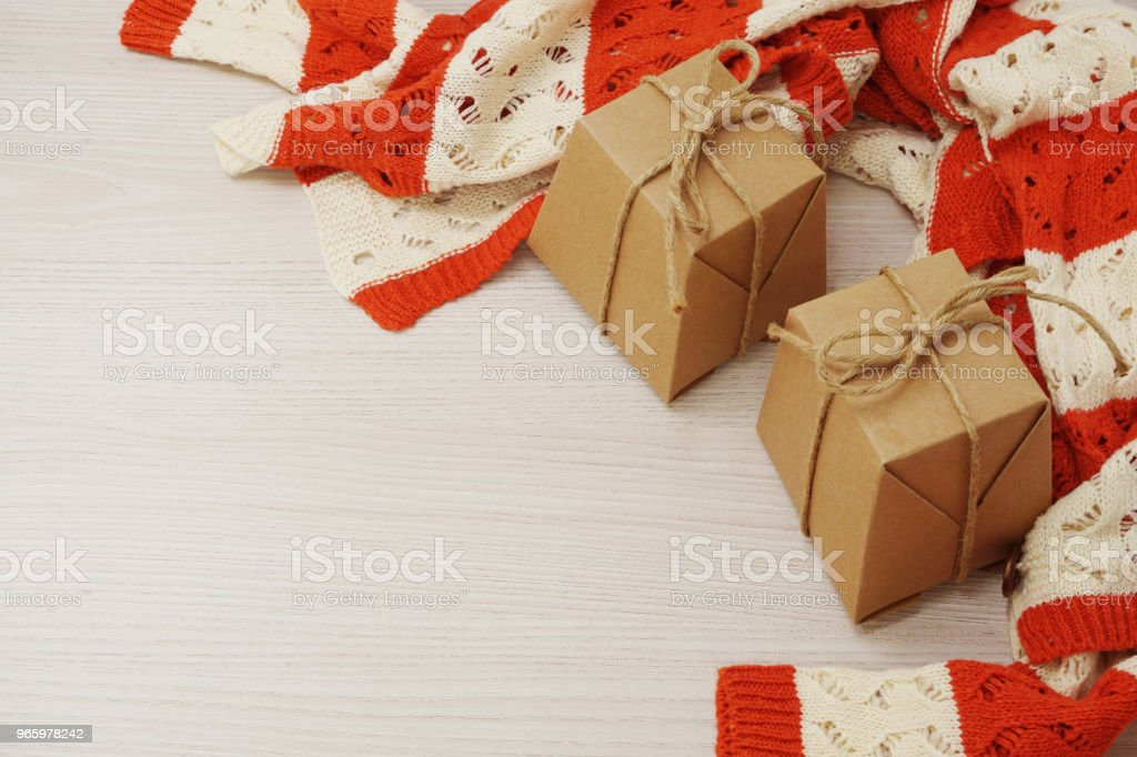 gift box with ribbon on wooden background - Royalty-free Above Stock Photo