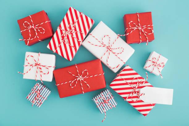 geschenk-boxen sammlung und leere beschriftung. - zitate weihnachten stock-fotos und bilder