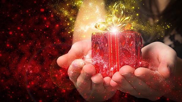 geschenk für weihnachten - besondere geschenke stock-fotos und bilder
