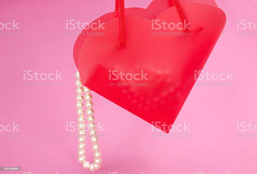 De regalos en el corazón foto de stock libre de derechos