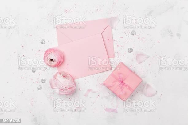 Gift or present box pink paper blank decorated ranunculus flowers picture id680461206?b=1&k=6&m=680461206&s=612x612&h=vvpn9 mdl3bih217k3gpt3cf8rxzk9 a0wjpm7hotz4=
