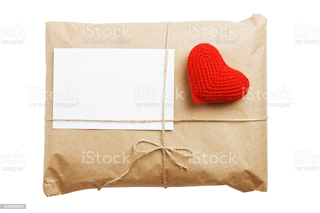 Gift parcel with white blank label and red heart – Foto