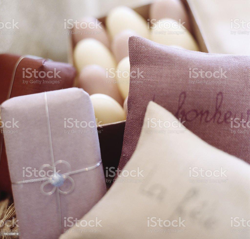 Través de jabón hecho a mano francés de regalos foto de stock libre de derechos
