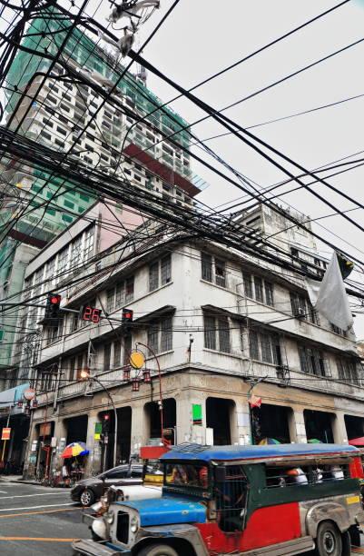 Gigantische Durcheinander von elektrischen Kabeln-Q.Paredes und Dasmariñas Straßen überqueren. Manila-Philippinen-0988 – Foto