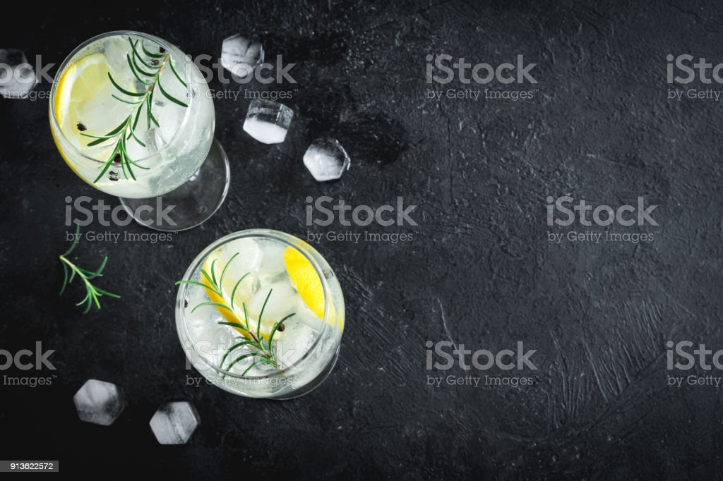 gin tonic cocktail - Royalty-free Achtergrond - Thema Stockfoto