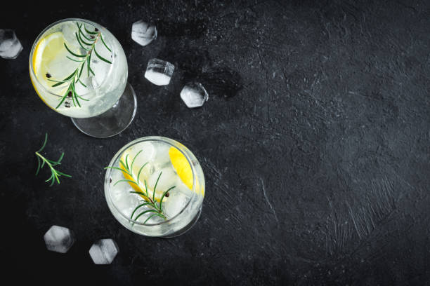 gin tonic cocktail - foto stock