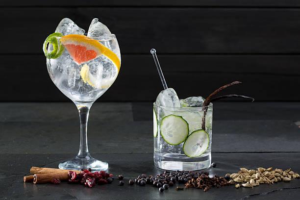 Gin cocktail tonique au concombre de lima et de pamplemousse - Photo