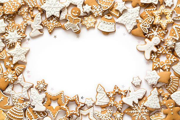 Lebkuchen-cookies, die auf weißem Hintergrund – Foto