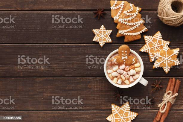 Gingerbread man bathing in cup of hot chocolate picture id1066956780?b=1&k=6&m=1066956780&s=612x612&h=an2ryjuh6lqpmtuv2ktdcuiotdwhx olyiz clscjji=