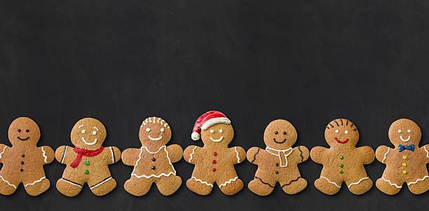 hombres en una pizarra de jengibre - gingerbread man fotografías e imágenes de stock