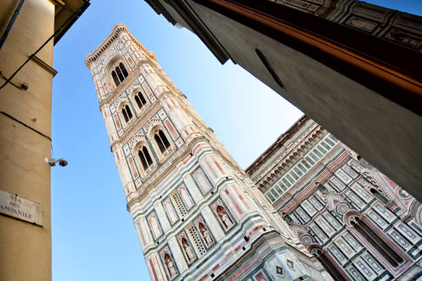 giottos campanile, florenz - giotto stock-fotos und bilder