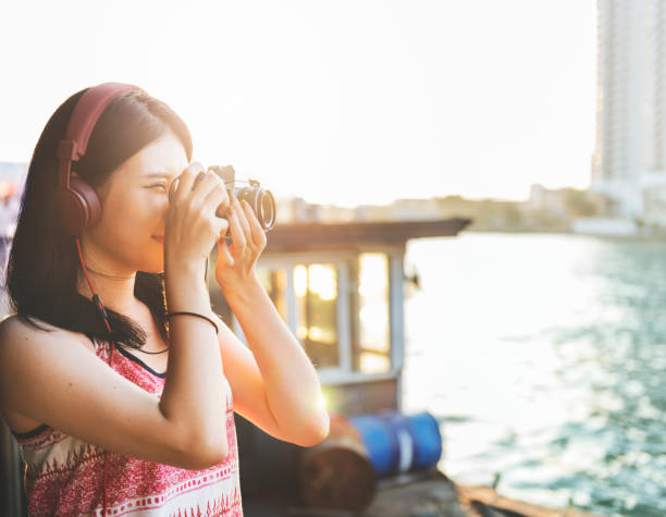 Girl adventure hangout traveling holiday photography concept picture id640089952?b=1&k=6&m=640089952&s=612x612&w=0&h=b fwqhbtak6vhjh n3izhs a rk mzzdqlrl3tits1m=