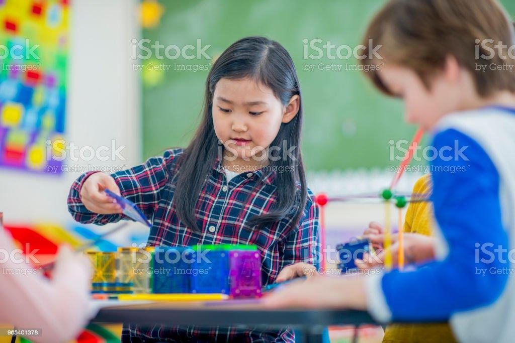 Garota na escola - Foto de stock de 6-7 Anos royalty-free