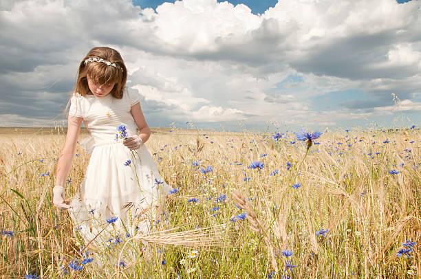 여자아이 성찬식 정장용 스톡 사진
