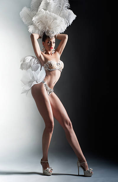 fille de danseur - cabaret photos et images de collection