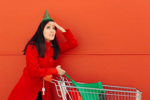 mädchen zu vergessen, etwas wichtiges für ihre party zu kaufen - geburtstag vergessen stock-fotos und bilder