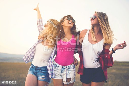 istock Girl Gang 615890222