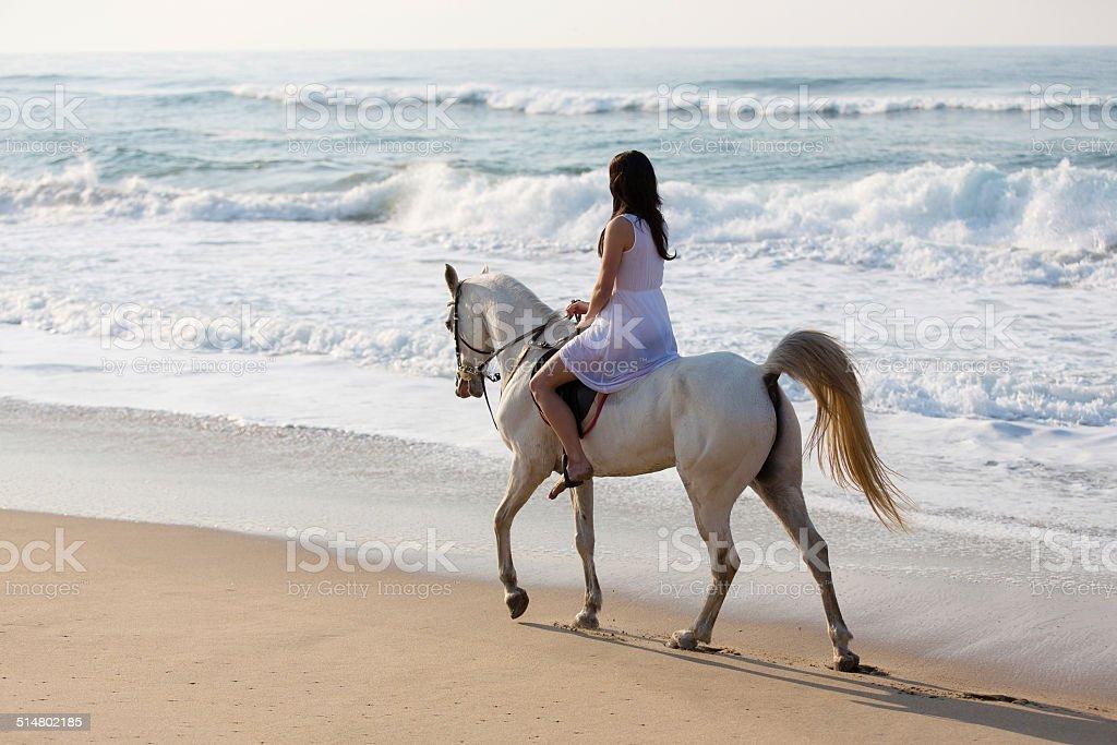 Фото в платьях на лошадях 71