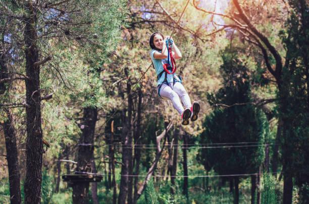 girl in アドベンチャーパーク - 自然旅行 ストックフォトと画像