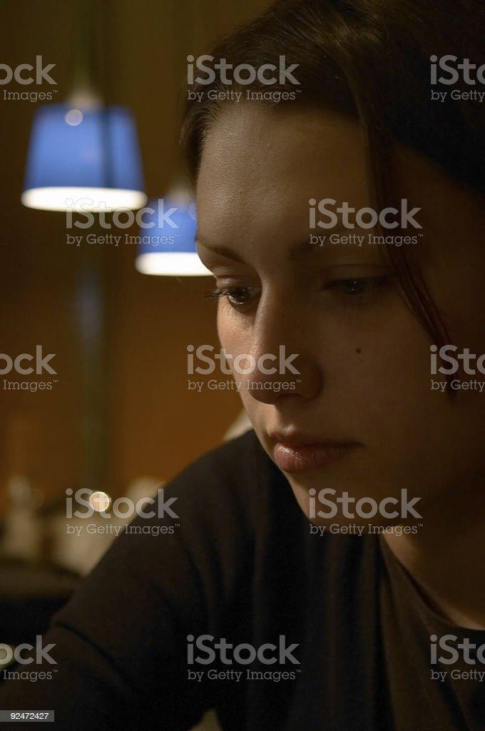 Mädchen im Café Lizenzfreies stock-foto