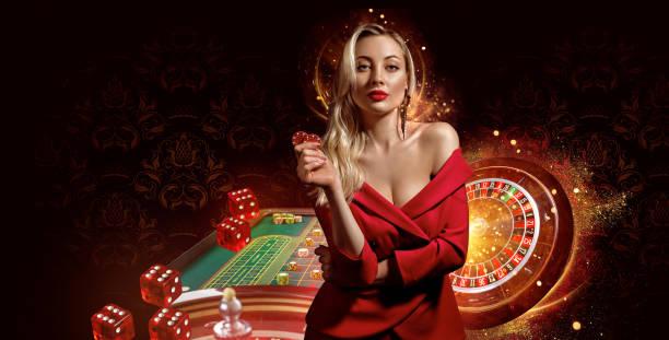 532 Poker Girls Stock Foto, Gambar &  Gambar Bebas Royalti - iStock