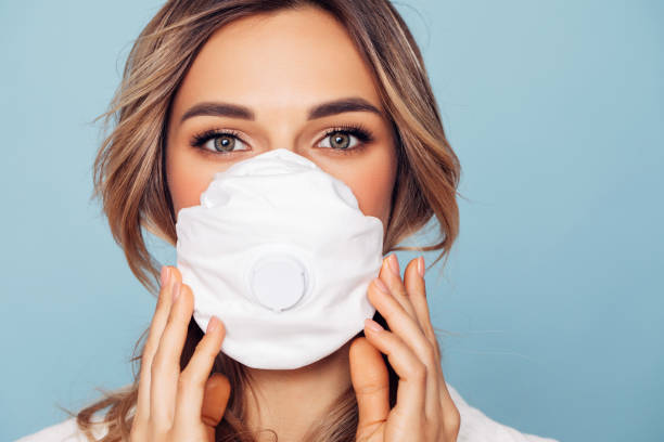 Girl in respiratory mask Girl in respiratory mask beautiful woman stock pictures, royalty-free photos & images