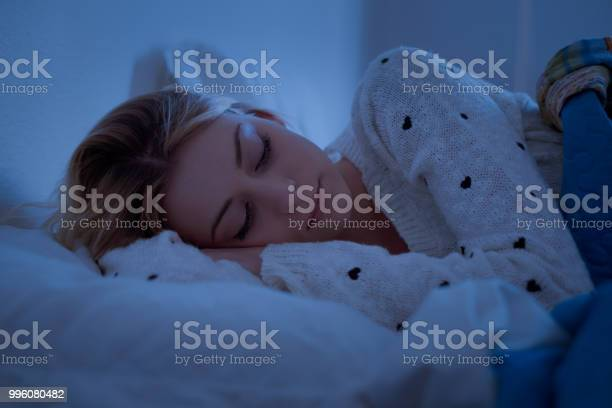 Girl is sleeping with her face on the pillow picture id996080482?b=1&k=6&m=996080482&s=612x612&h=r6nys ntt711wkxqlsunwqt 6pevsla54dghsawvkem=