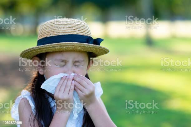 Girl is sneezing picture id1039822488?b=1&k=6&m=1039822488&s=612x612&h=fq jbbtx2a1ltqxi9atpdo9k6qti8so95sprih5mz58=