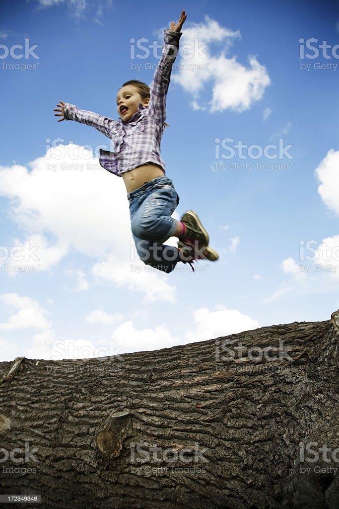 Foto de Menina De Salto Alto Sobre Árvore De Login e mais