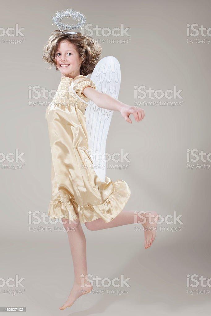 Девочка, прыжки, улыбающегося, Портрет стоковое фото
