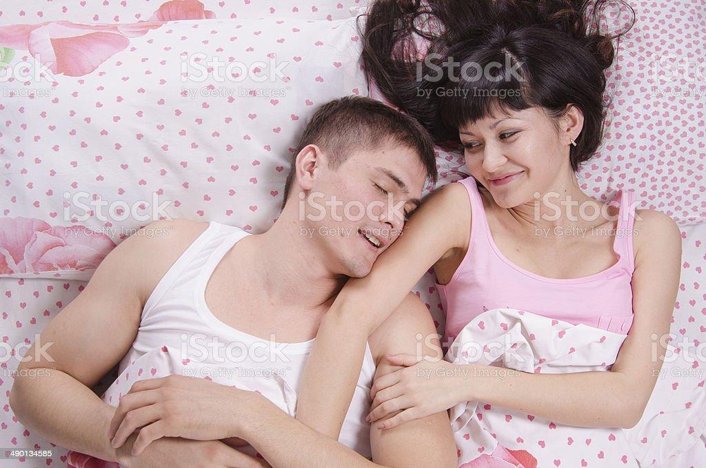 Девочки спящей мальчик секс видео