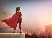 女の子はスーパーヒーロー
