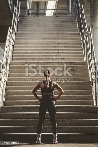 istock Girl prepairing to workout 629265846