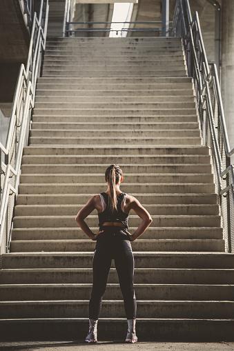 Girl prepairing to workout